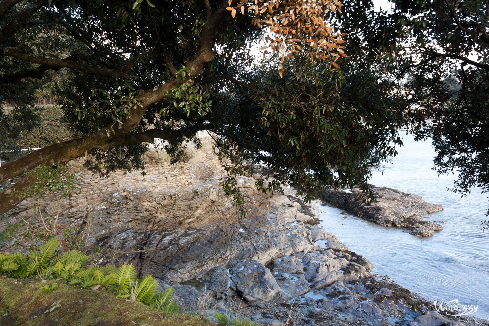 Mini plage de cailloux