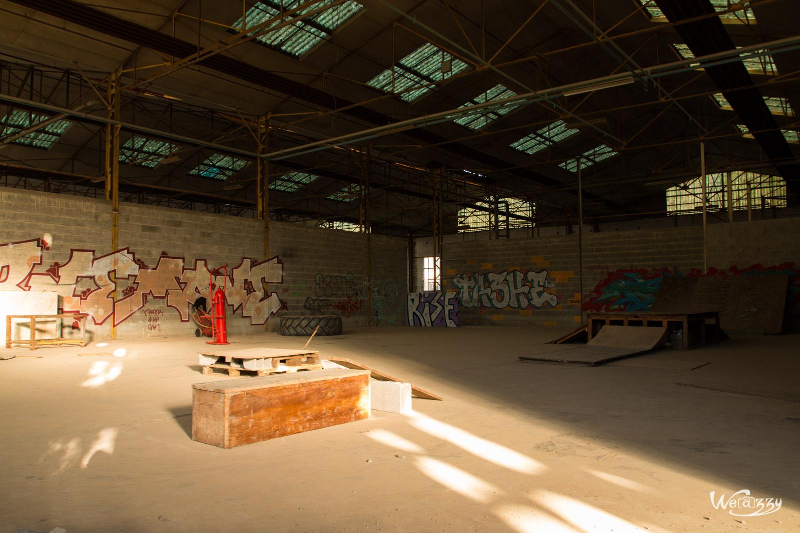 Une usine désaffectée – 2ème partie – avec plein de graffitis