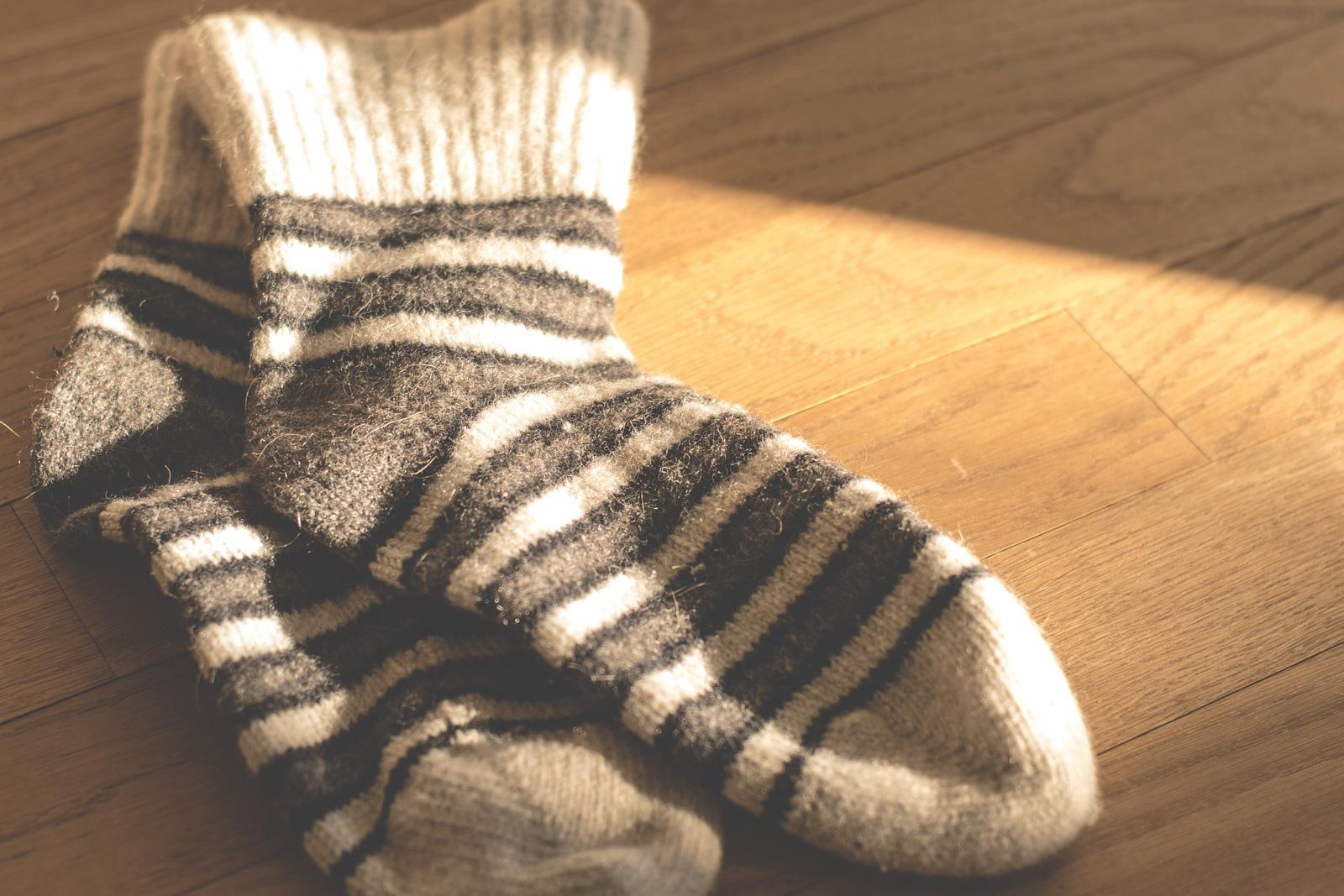 billet, lave-linge, chaussettes