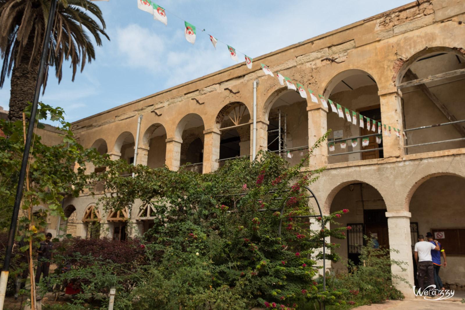 Algérie, Oran, Sidi Al Houari, Voyage